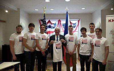 Pomáháme česko-americkým vztahům